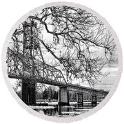 A Bridge In Winter Round Beach Towel