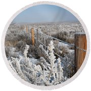 A Frosty And Foggy Morning On The Way To Steamboat Springs Round Beach Towel
