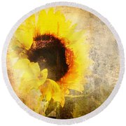 A Memory Of Summer Round Beach Towel