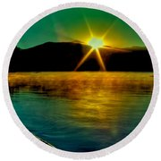 A Misty Sunrise On Priest Lake Round Beach Towel