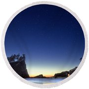 Round Beach Towel featuring the photograph A Night For Stargazing by William Lee