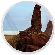 A Pair Of Volcanic Dikes Radiating Out From Shiprock Round Beach Towel