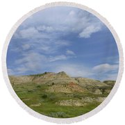 A Summer Day In Dakota Round Beach Towel
