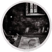 Round Beach Towel featuring the photograph A Tombstone In Sligo Abbey Bw by RicardMN Photography