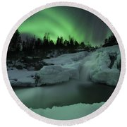 A Wintery Waterfall And Aurora Borealis Round Beach Towel