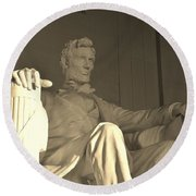 Abraham Lincoln Statue Round Beach Towel