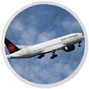 Air Canada Boeing 777-233 Round Beach Towel