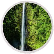 Akaka Falls With Rainbow Round Beach Towel