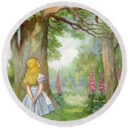 Alice Meets The Cheshire Cat In Wonderland  Round Beach Towel