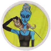 Alien At Tiffany's Round Beach Towel