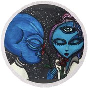 Aliens Love Flowers Round Beach Towel