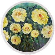 All Yellow Roses Round Beach Towel