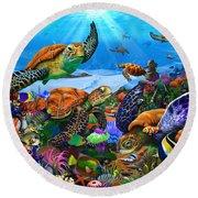Amazing Undersea Turtles Round Beach Towel