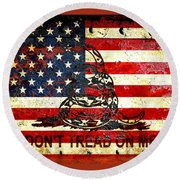 American Flag And Viper On Rusted Metal Door - Don't Tread On Me Round Beach Towel