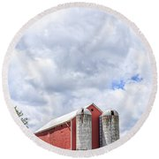Amish Red Barn And Silos Round Beach Towel