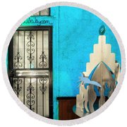 An Artsy House In Brooklyn New York  Round Beach Towel by Funkpix Photo Hunter