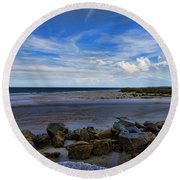 An Endless Summer Round Beach Towel