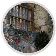 Annaberg Ruin Brickwork At U.s. Virgin Islands National Park Round Beach Towel