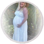 Annah In White Dress And Hat Round Beach Towel by Ellen O'Reilly