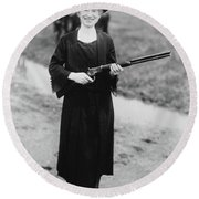 Annie Oakley With The Gun Buffalo Bill Gave Her, 1922 Round Beach Towel