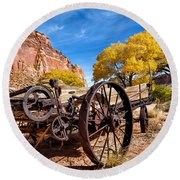 Antique Wagon In The Desert Round Beach Towel