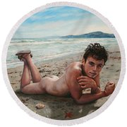 Antonio En La Playa Round Beach Towel