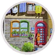 Apartment With Red Door Round Beach Towel