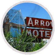 Arrow Motel Round Beach Towel