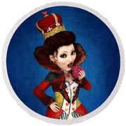 Queen Of Hearts Portrait Round Beach Towel