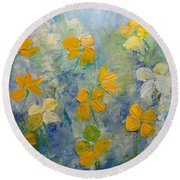 Blossoms In Breeze Round Beach Towel