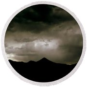 Texas Mountains Silhouette And The Ascension Of The Dusking Sky Round Beach Towel