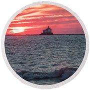 Ashtabula Ohio Lighthouse At Sunset  Round Beach Towel