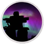 Aurora Borealis - Inukshuk - Northern Lights  Round Beach Towel