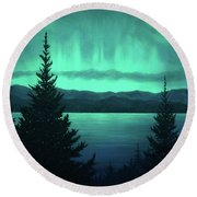 Aurora Over Lake Pend Oreille Round Beach Towel