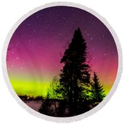Aurora With Spruce Tree Round Beach Towel