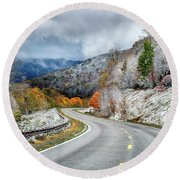 Autumn Snow Highland Scenic Highway Round Beach Towel