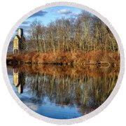 B And  O Pond With Sand House Round Beach Towel