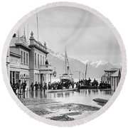 Ballarat Street, Queenstown, Round Beach Towel