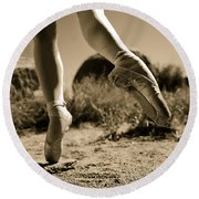 Ballet Pointe Round Beach Towel