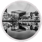Baltimore In Black And White Round Beach Towel