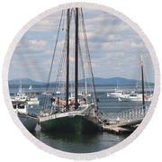 Bar Harbor Waterfront And Boats Round Beach Towel