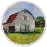 Barn-harrison Park, Ellijay-pinson Barn Round Beach Towel by Jan Dappen