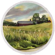 Barn On The Ridge Round Beach Towel