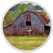 Barn On White Oak Road 2 Round Beach Towel