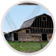 Round Beach Towel featuring the photograph Barn by Susan Kinney