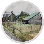 Barns And Old Shack In Norval Round Beach Towel