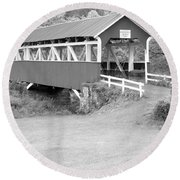 Barron's Covere Bridge In Black And White Round Beach Towel