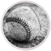 Baseball In Black And White Round Beach Towel