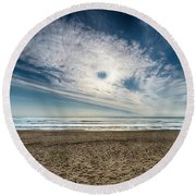 Beach Sand With Clouds - Spiagggia Di Sabbia Con Nuvole Round Beach Towel