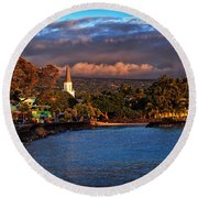 Beach Town Of Kailua-kona On The Big Island Of Hawaii Round Beach Towel